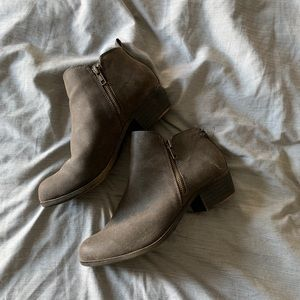 Dunes Ankle Booties
